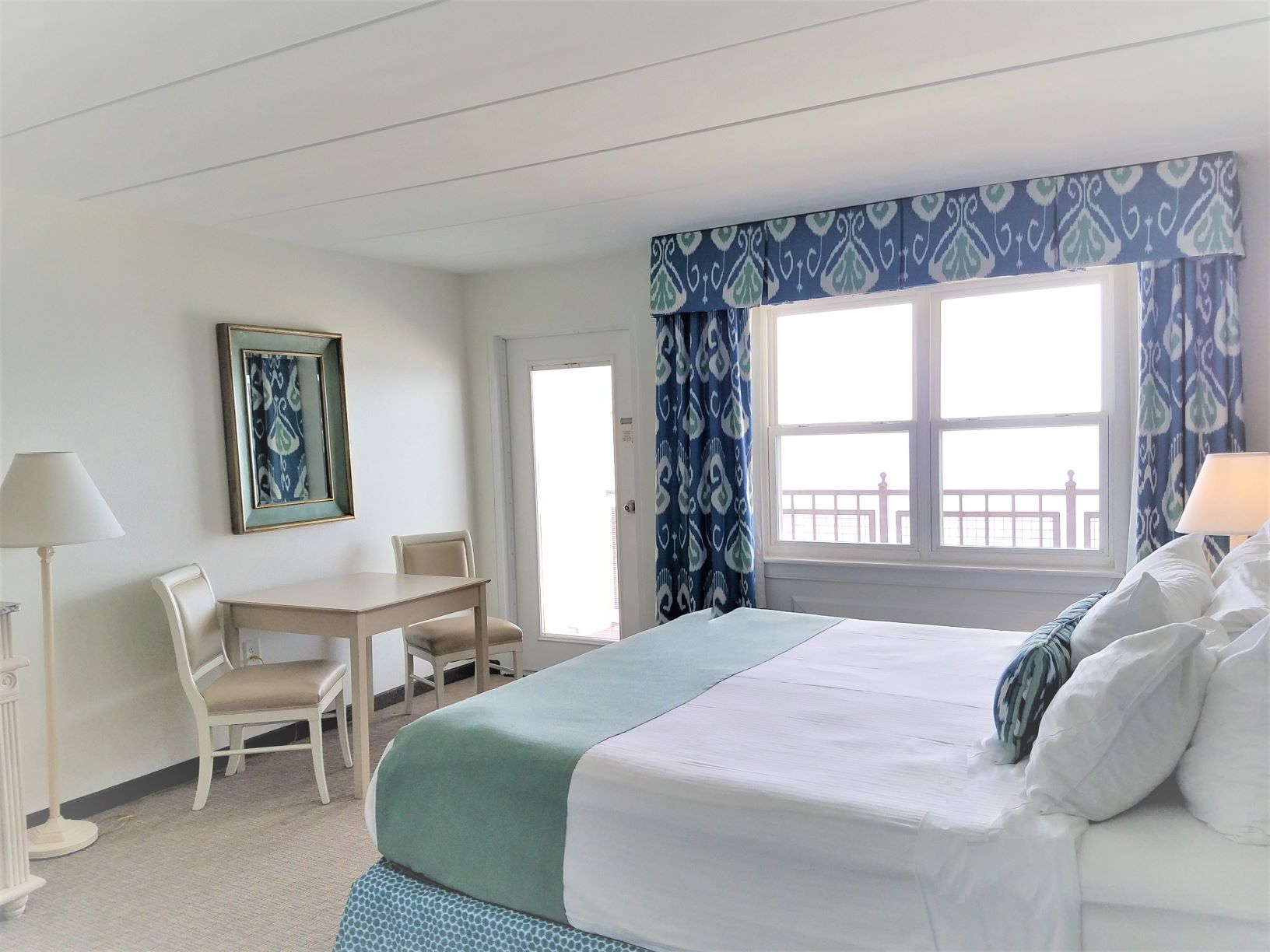 Hotel - One King Bed Oceanfront